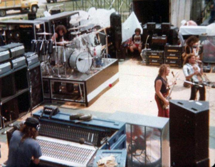 Van_Halen_Mississippi-River-Jam-July-16-1978
