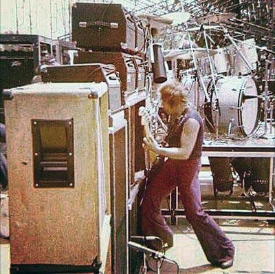 Van_Halen_Mississippi-River-Jam-July-16-1978_3