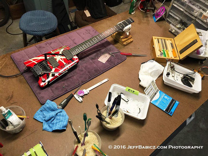 Eddie_Van_Halens_5150_Steinberger_Guitar_restored